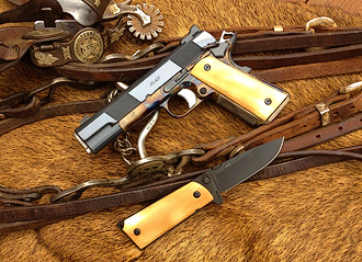 Slimline professional model 1911 with knife and bridle