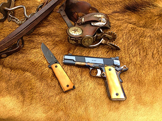 Slimline professional model 1911 with knife and spurs